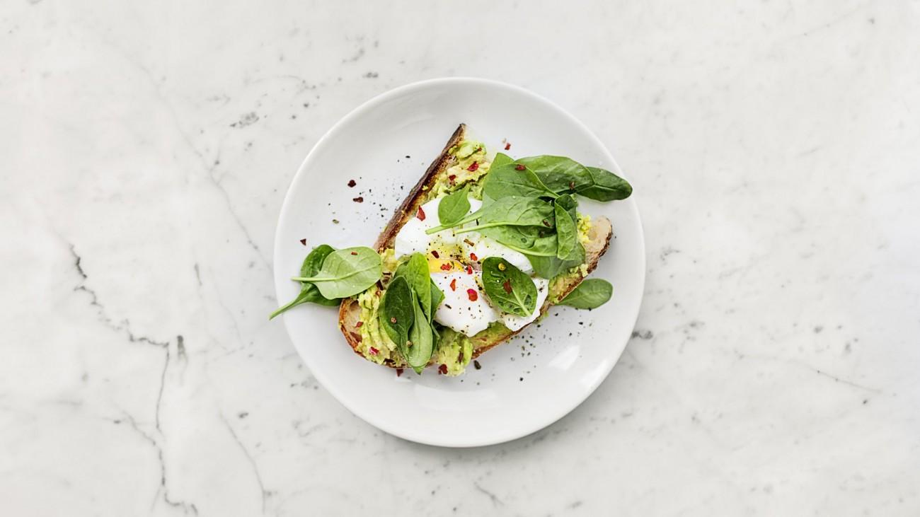 food-plate-salad-1095550-e1538759487947-1300×731